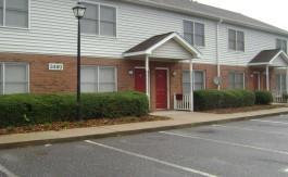Oak Hill Square - Front Doors